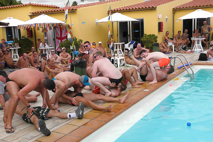 tour/content/GranCanPoolParty/0.jpg